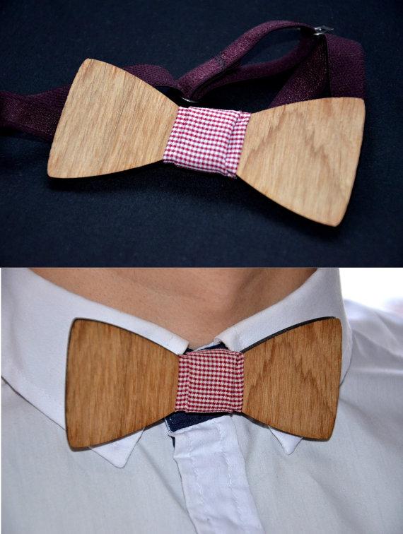 Wedding - Wooden bowtie. Wedding party bowtie. Groomsmen, bet man bowtie. Men gift.