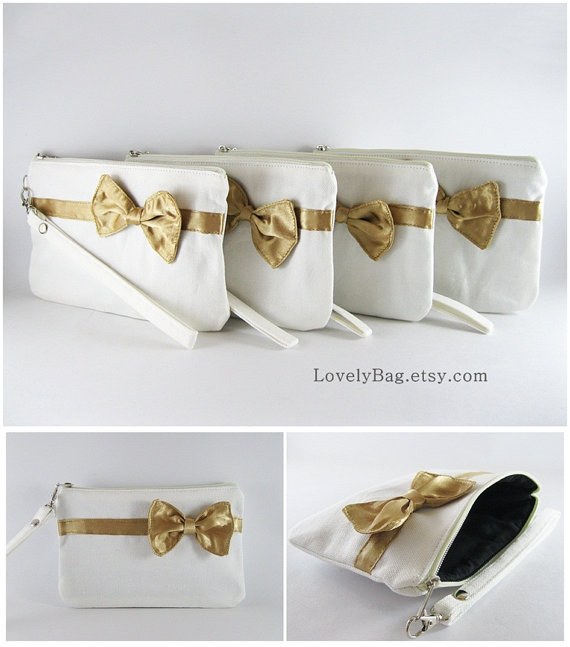 Свадьба - SUPER SALE - Set of 3 Ivory with Little Gold Bow Clutches - Bridal Clutches, Bridesmaid Wristlet, Wedding Gift  - Made To Order