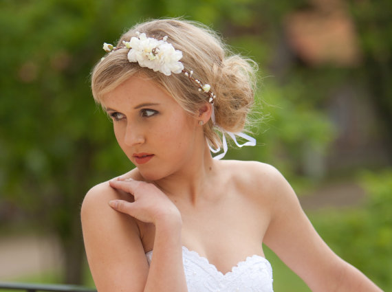 Hochzeit - Boho bridal headpiece, Ivory flower crown, Woodland hair wreath, Rustic wedding hair accessories, Ivory headband