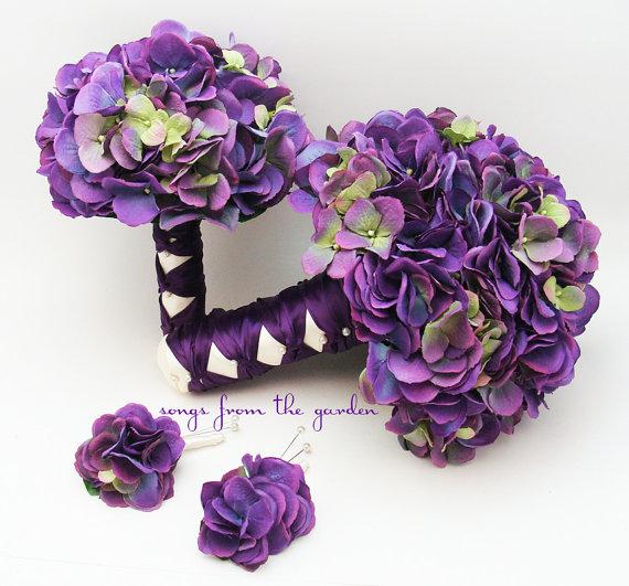 Mariage - Purple Silk Hydrangea Bridal & Bridesmaid Bouquet Groom's Best Man Boutonniere - Silk Flower Wedding Package - Purple Hydrangea Plum Ribbon