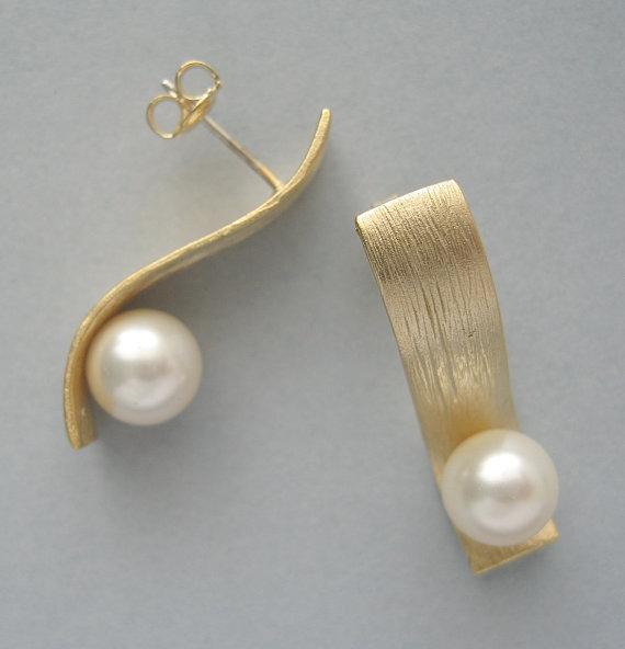 زفاف - Genuine Swarovski  Earrings - Ivory Swarovski Pearls in Gold Plated - Ivory Earrings - Stud Earrings - Wedding  Jewelry - DK523