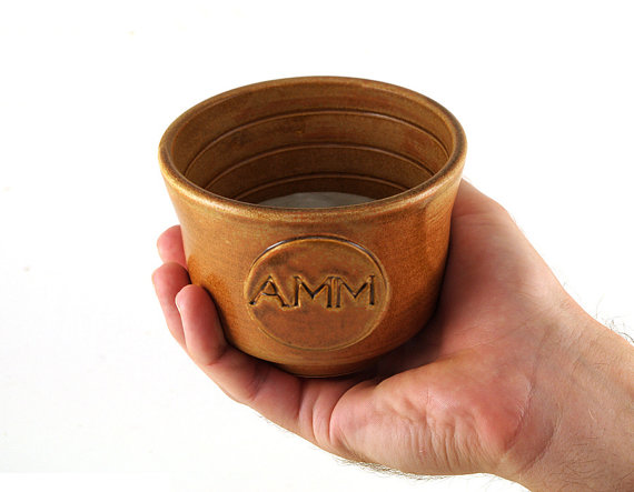 Свадьба - Personalized Shaving Bowl with Monogram or Initials, Custom Wet Shaving, Groomsmen Gift, Unique Pottery Handmade Gifts for Men
