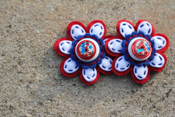 Mariage - Red White and Blue Felt Button Shoe Clips
