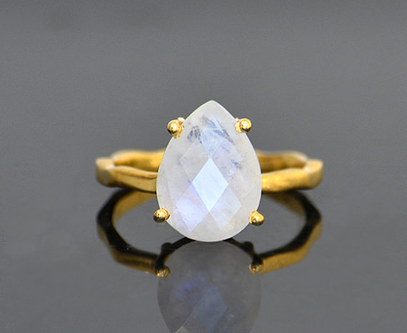 Hochzeit - Rainbow Moonstone Ring - Tear drop Ring - prong set ring - June Birthstone Ring - Gemstone Ring - Stacking Ring - Gold Ring - bridal jewelry