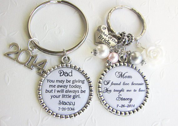 Mariage - SET for MOTHER and FATHER of the Bride gift Set of 2 Personalized Keychains with Swarovski Pearls Wedding Party Rehearsal Dinner Gifts White