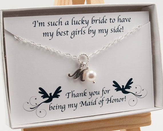 Hochzeit - Personalized Maid of Honor Gift - Maid of Honor Necklace with Card - Pearl Initial Necklace - Special Gift for Maid of Honor - Bridal Party