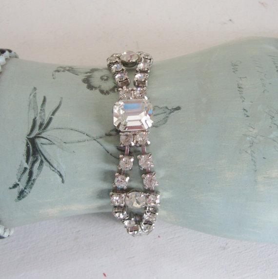 زفاف - Vintage clear rhinestone bracelet bridal bracelet, wedding bracelet  or prom bracelet something old