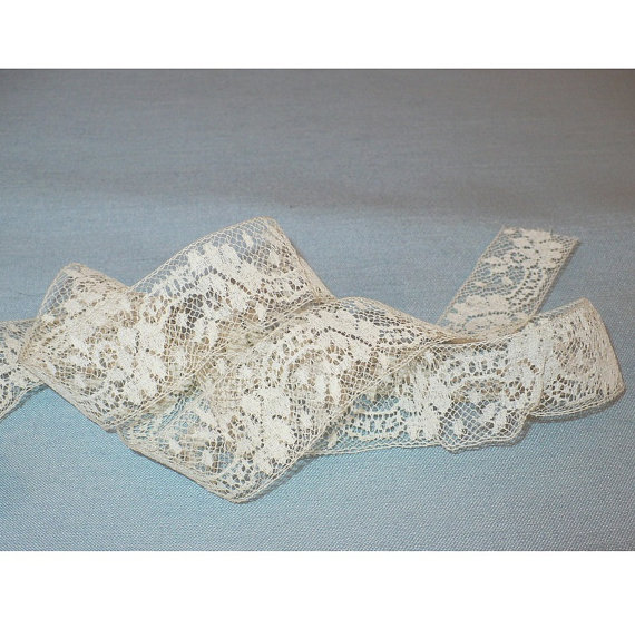 "Свадьба - 25mm Antique Lace Trim Virginia's Valenciennes Antique French Bobbin Lace Trimming Victorian Vintage Sewing Supply 1"" x 4 Yards"