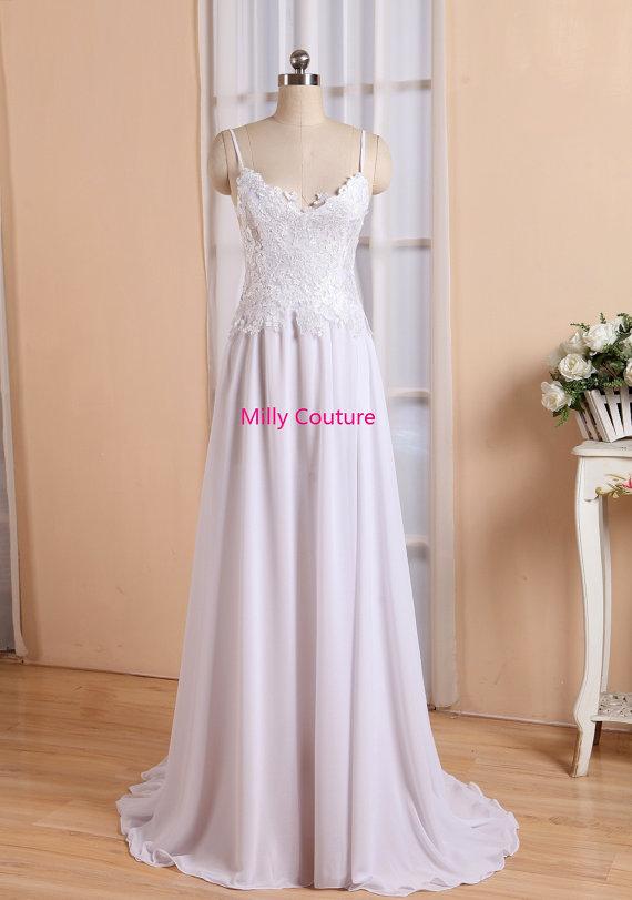 Boda - Breathtaking beach lace wedding dress with stunning low back and floaty skirt, boho wedding dress