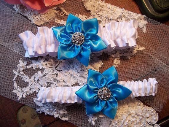 Hochzeit - Turquoise Wedding Garter set, White with Star Flower in Turquoise, Wedding Garter Set, All a Heart Desires Original Bridal Garter Set