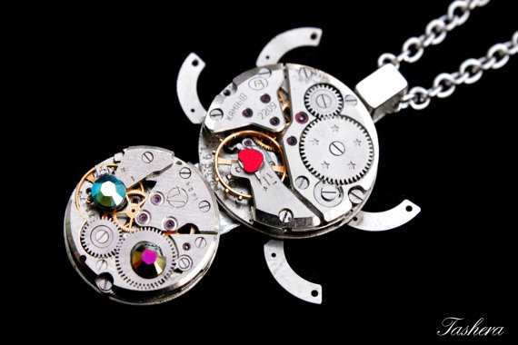 Свадьба - Steampunk Turtle Necklace, Steampunk Wedding Jewelry, Silver Turtle Necklace, Steampunk Jewelry, Vintage Watch, Clockwork Turtle, Geekery