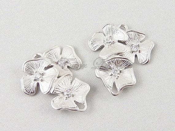 Mariage - 2 Flower bouquet cubic zirconia CZ connectors / floral links for making earrings, necklace, jewelry 1388-MR (matte silver, 2 pieces)