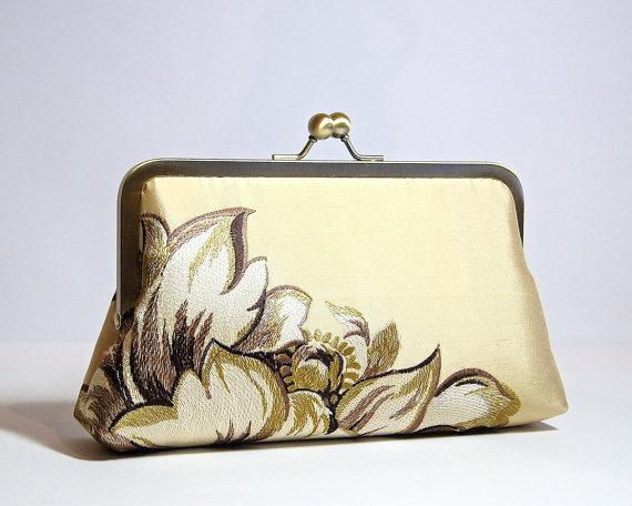 Свадьба - Embroidered Silk Clutch in Pale Gold, Wedding clutch, Bridal clutch, Bridesmaid clutch, Evening bag
