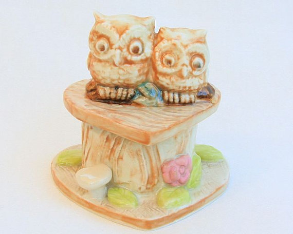 Свадьба - Wedding Cake Topper - Two Tiny Owls on a Heart Log in Porcelain