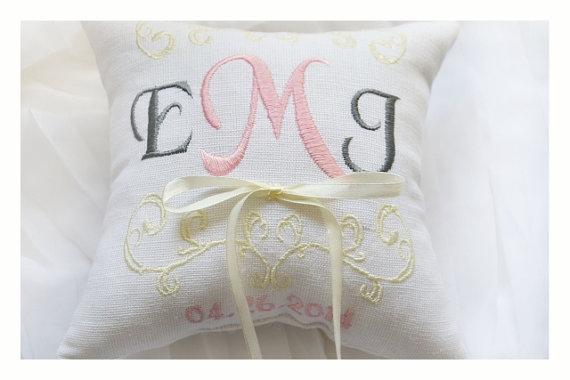 Hochzeit - Ring bearer pillow, wedding ring pillow , Linen Monogrammed ring pillow , Custom embroidered ring bearer pillow (R6)