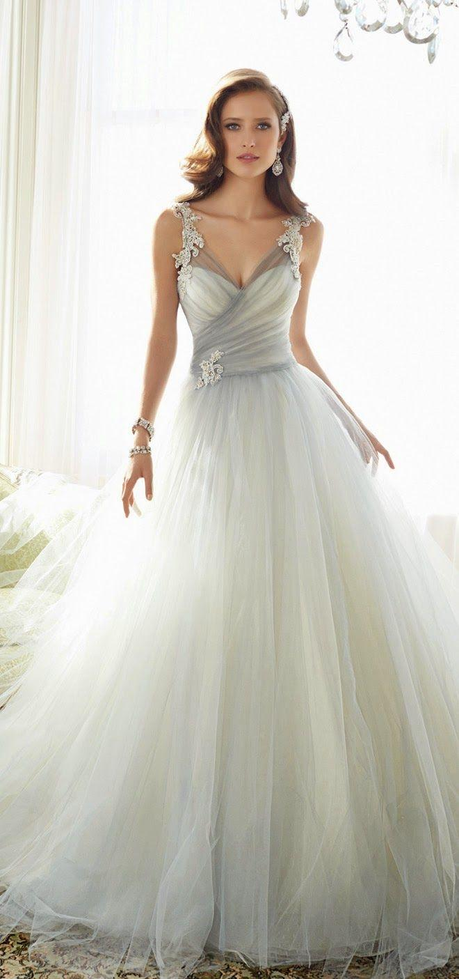 Hochzeit - Wedding Gown For Bride