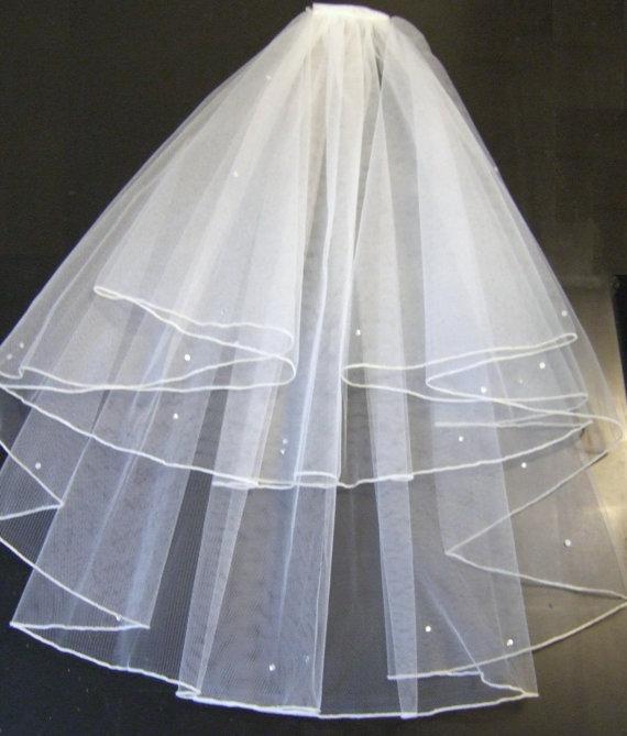 Mariage - PENCIL EDGE Veil ,Bridal Veil , IVORY Wedding Veil,2 tier  Ivory Communion Veil,Hen night veil.Pencil edge veil with detachable comb & Loops