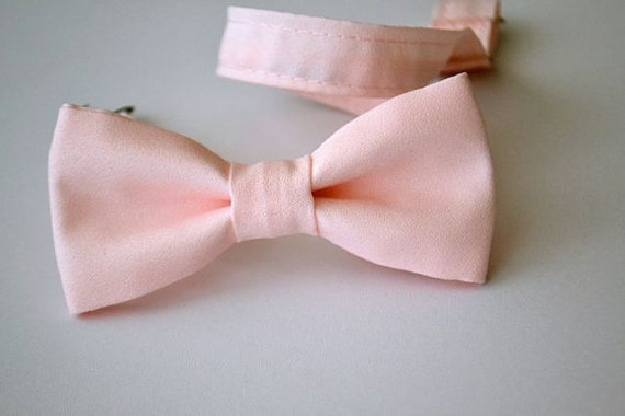 Свадьба - Boys Bowtie Ages 2-10 in Blush Pink- Pale Pink