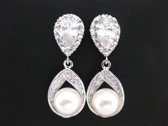 Свадьба - Swarovski Round 8mm Pearl Earrings Teardrop Dangle Earrings Wedding Jewelry Bridesmaid Gift Bridal Earrings Bridesmaid Earrings (E016)