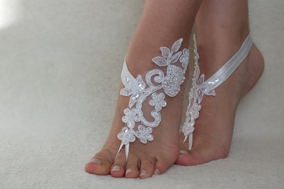 Свадьба - White Beach wedding barefoot sandals, Flexible wrist lace sandals, White barefoot sandals