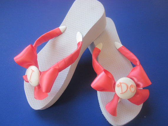 Свадьба - Wedding Flip Flops/Wedges/Shoes for Bride.Any Satin Ribbon Color Available.Beach Wedding. I Do Flip Flops.White Flip Flops. Monogram.