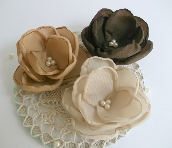 Свадьба - Brown, Chocolate, Antique Pink flowers in handmade, Bridesmaids accessories, Hair clip, pin, Brooch, Shoe Clasp, Weddings, Birthday Set of 3