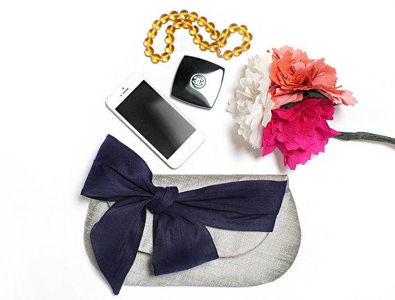 Свадьба - Navy blue wedding clutch, Navy bridesmaids gift, Beach wedding, Nautical wedding, Bow clutch, Bridal clutch, Wedding bag, Evening clutch