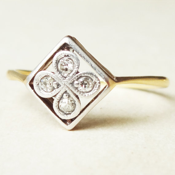 Mariage - Art Deco Framed Diamond Flower Ring, 18ct Gold Diamond Engagement Ring Approx. Size 7