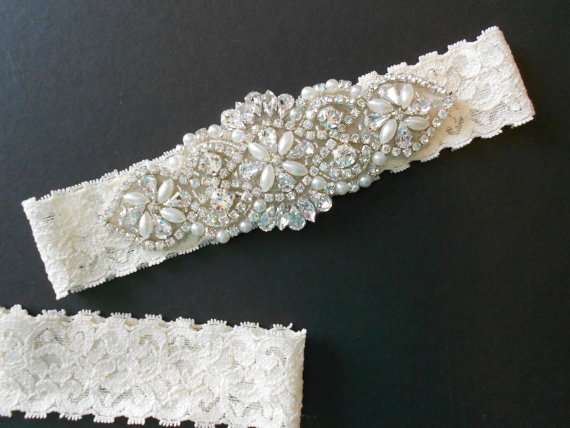Свадьба - Wedding Garter Set Creamy Ivory Beautiful Stretch Lace Garter Set, Gorgeous Crystal Cluster on  Vintage Inspired Lace.