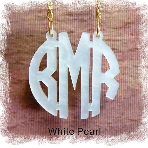 Свадьба - Acrylic Monogram Necklace - Circle Monogram 3 Initial Name Acrylic Monogram Jewelry , Wedding Gift