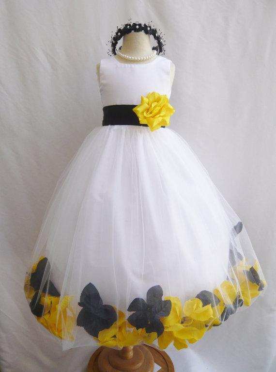 yellow girl flower and Black dress white