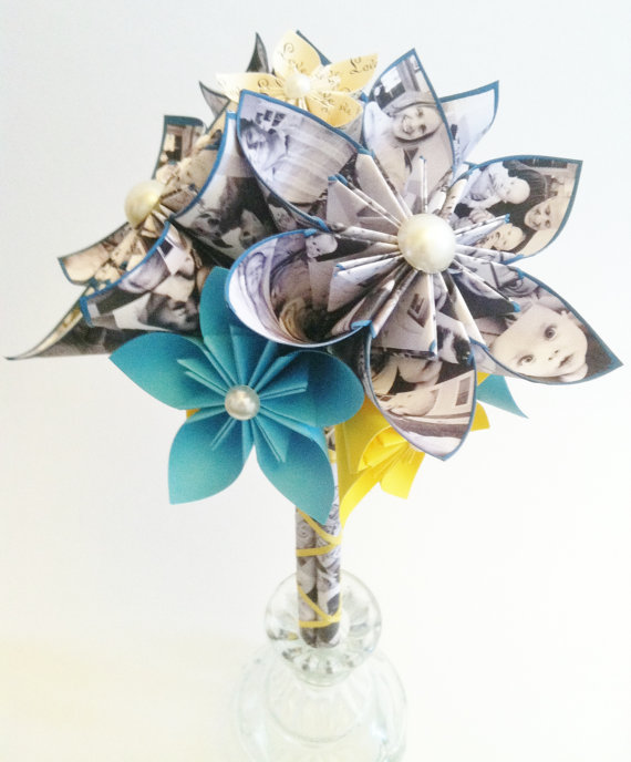 Hochzeit - Memory Bouquet- Valentine's Day, perfect for her, perfect for mom, gift, first anniversary, your family photos, one of a kind, origami