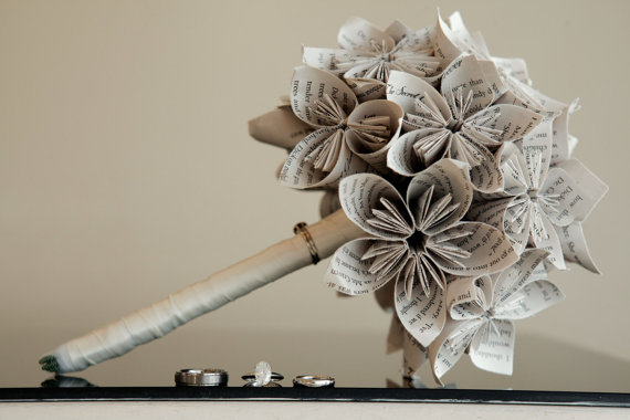 Mariage - SECRET GARDEN Wedding Bouquet. OR You Pick The Colors, Papers, Books, Etc.  Anything Is Possible. Custom Orders Welcome.