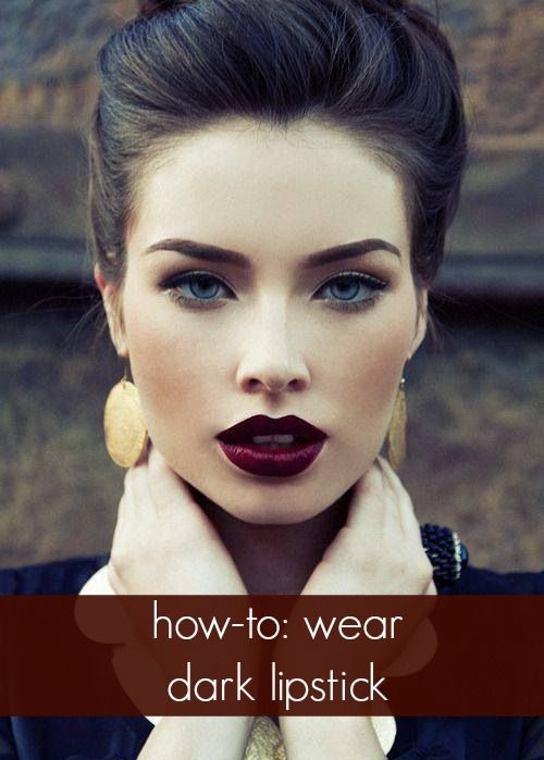 Свадьба - Expert Tips To Rocking Dark Lips This Fall