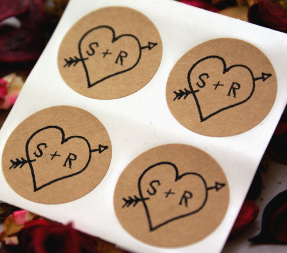 زفاف - CUSTOM INITIALS Wedding Stickers - Rustic Arrow & Heart save the date labels - 1 inch round Stickers - wedding invitations, save the date