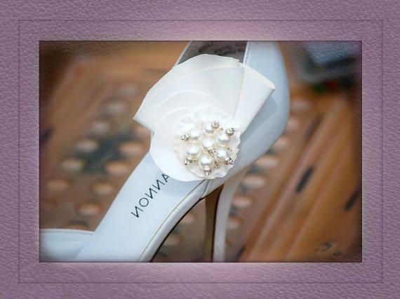 Hochzeit - Ruffle & Pearls Shoe Clips. Handmade Ivory / Off White, Spring Bridal Wedding Couture, Feminine Sophisticated Bride, Romantic Modern Romance