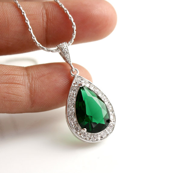 Mariage - Emerald Green Wedding Necklace Bridal Jewelry with Large Cubic Zirconia Teardrop Necklace Pendant Silver Wedding Jewelry