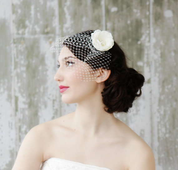 Свадьба - Bridal Blusher Birdcage Veil with Ivory Hair Flower