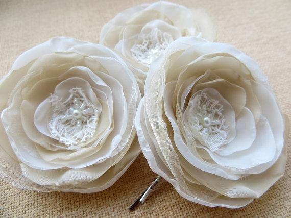 Свадьба - Bridal flower hair clips (set of 3), bridal hair accessory,bridal floral headpiece, wedding hair accessories, bridal hair piece, ivory cream