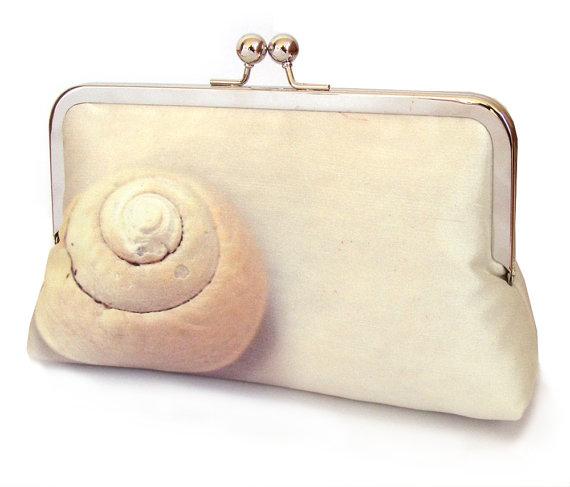 Mariage - Clutch bag, shell purse, Scottish sea shell, beach wedding, bridesmaid gift, printed silk, SPIRAL SHELL