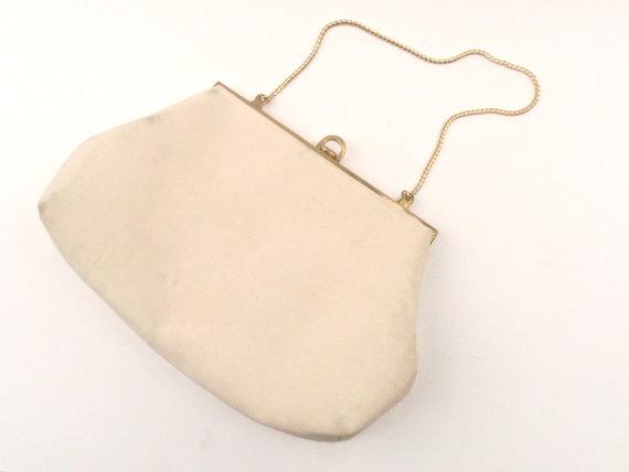 Свадьба - Vintage Ivory Dyeable Fabric Purse Morris Moskowitz Designer Handbag Wedding Cream Beige Formal Evening Clutch Bag MM Logo With Mirror