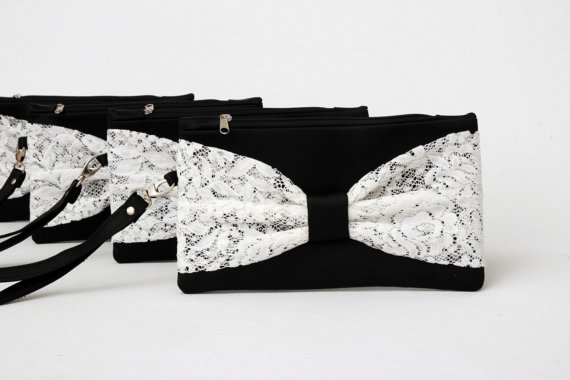 Mariage - Promotional sale   -  SET OF 8  - Black ivory  bow wristelt clutch,bridesmaid gift ,wedding gift ,make up bag,zipper