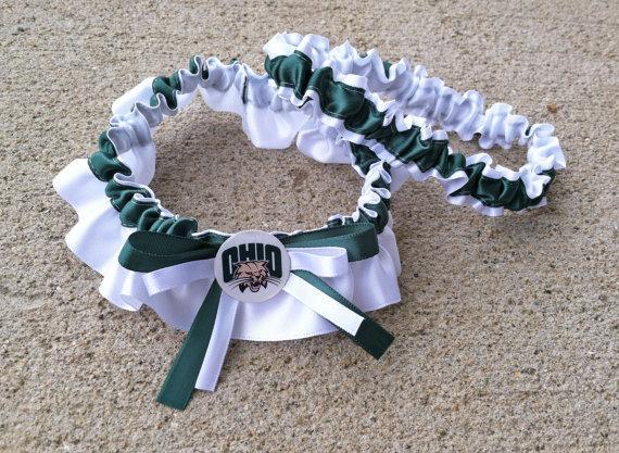 Свадьба - Ohio Inspired Dark Green & White Bridal Satin Wedding Keepsake Or Garter SET