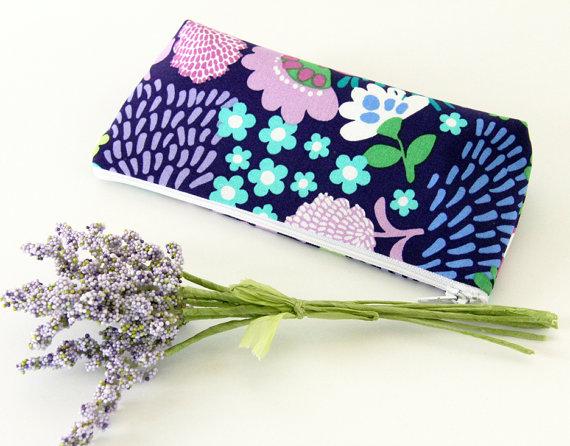 Mariage - Purple Make up Bag, Purple Floral Cosmetic Bag, Pencil Pouch, Zipper Purse, Bridesmaid Gift Idea, Wedding Clutch, Makeup Case