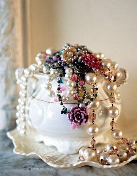 Hochzeit - Flowers ~Vintage ~ Lace, And Dreamy Spaces