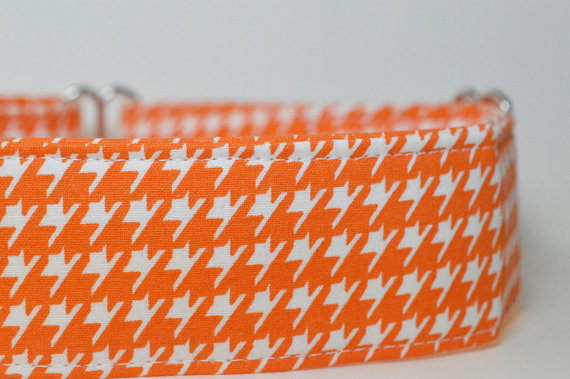 "Свадьба - Designer Dog Collar - EXCLUSIVE Print Orange & White Houndstooth - Ready To Ship L (15-24"") MARTINGALE Dog Collar, Cute dog collar, florals"