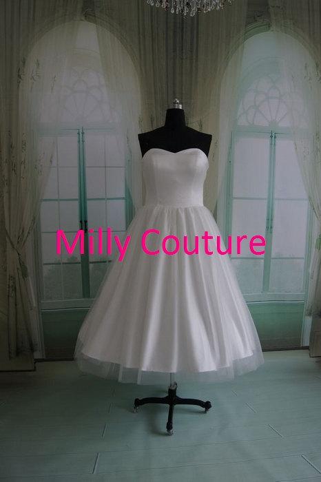 Mariage - Emma- Classic Vintage style satin bridal gown, retro strapless bridal gown, 50s vintage wedding dresses, short wedding dress