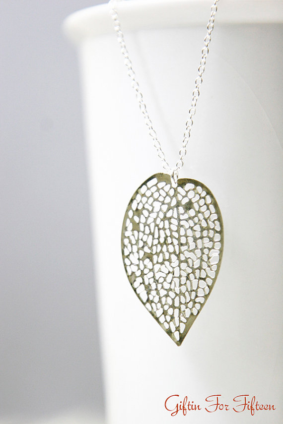 Mariage - Leaf Filigree Necklace, Silver Plated, Diamond Cut Dainty Chain, Minimalist, Wedding Jewelry, Everyday, Bridesmaids, Custom Wedding Jewelry