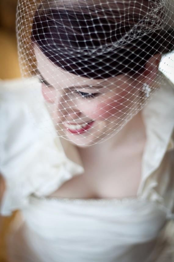 Свадьба - Birdcage Wedding Veil as seen in the StyleMePretty wedding blog-- Ready to Ship