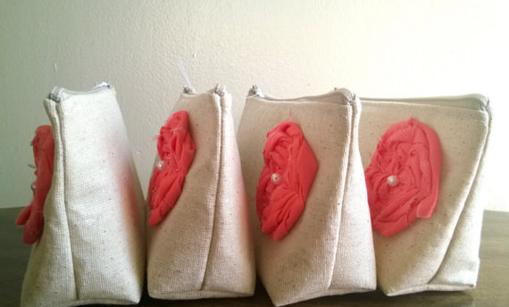 Mariage - Set of 3 Wedding Clutches, Bridesmaid Gifts, You Choose Clutch Flower Color, Coral Bridesmaids, Linen Clutch Purses